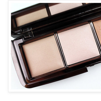 Photo of Hourglass Ambient Lighting Palette uploaded by The simple girl by noura ✿.