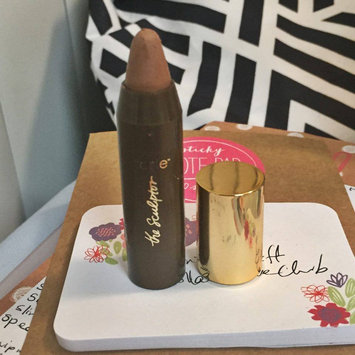 Photo of tarte The Sculptor Amazonian Clay Contouring Face Slenderizer uploaded by Vanna L.