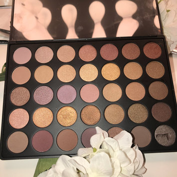 Photo of Morphe T35 Taupe Eyeshadow Pallet uploaded by Fiorella Z.