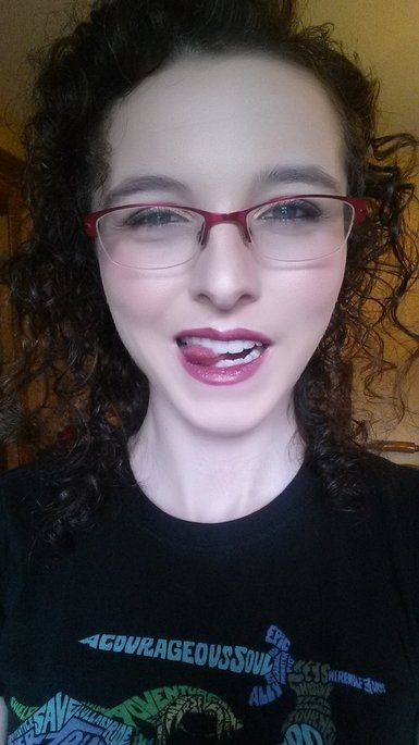 Kat Von D Lock-It Precision Powder Brush uploaded by Alyssa P.