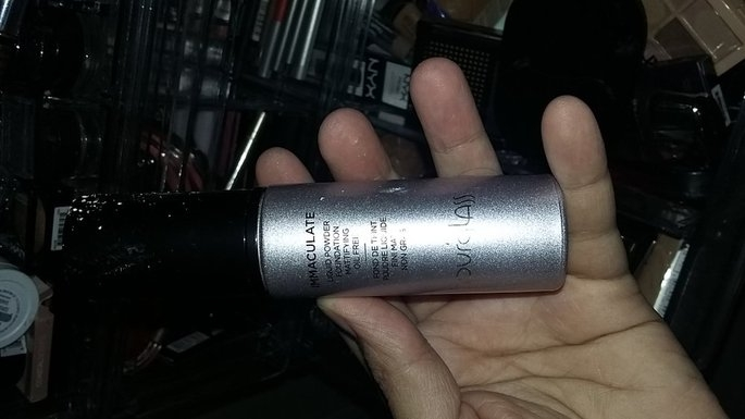 Hourglass Immaculate Liquid Powder Foundation uploaded by Claudia F.