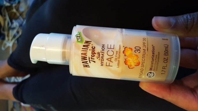 Hawaiian Tropic Silk Hydration Sunscreen Face Lotion with SPF 30 - 1. uploaded by Liz T.