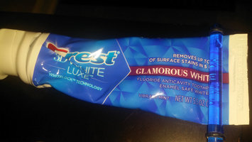 Photo of Crest® 3D White Luxe Glamorous White Toothpaste Vibrant Mint uploaded by Veronica S.