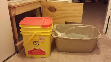Photo of Tidy Cats Scoop 24/7 Performance Cat Litter uploaded by Katie R.