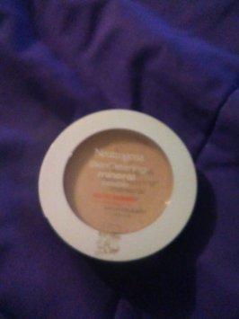 Neutrogena Healthy Skin Pressed Powder uploaded by Karla G.