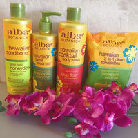 Alba Botanica Hawaiian 3-in-1 Clean Towelettes Deep Pore Purifying Pineapple Enzyme uploaded by Kristina W.
