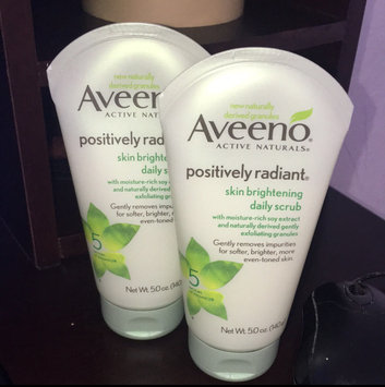 Aveeno Positively Radiant Skin Brightening Daily Scrub uploaded by Chiquita T.