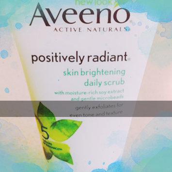Aveeno Positively Radiant Skin Brightening Daily Scrub uploaded by Kaylee O.