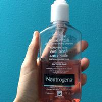 Neutrogena® Oil-Free Acne Wash Pink Grapefruit Facial Cleanser uploaded by jj v.