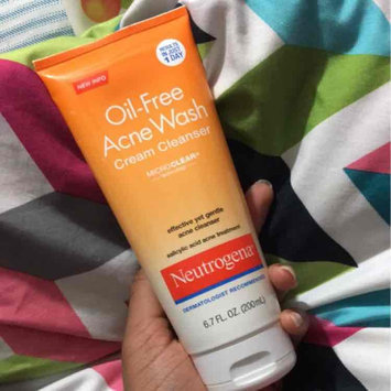 Photo of Neutrogena® Oil-Free Acne Wash Cream Cleanser uploaded by Deosha A.