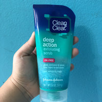 Clean & Clear® Deep Action Exfoliating Scrub uploaded by Evelyn H.