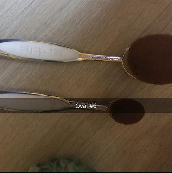 Photo of Artis Fluenta Oval 6 Brush uploaded by Cherie P.