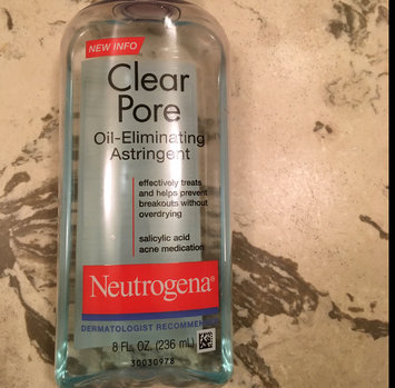 Photo of Neutrogena Clear Pore Oil-Controlling Astringent uploaded by Moonyalondon H.