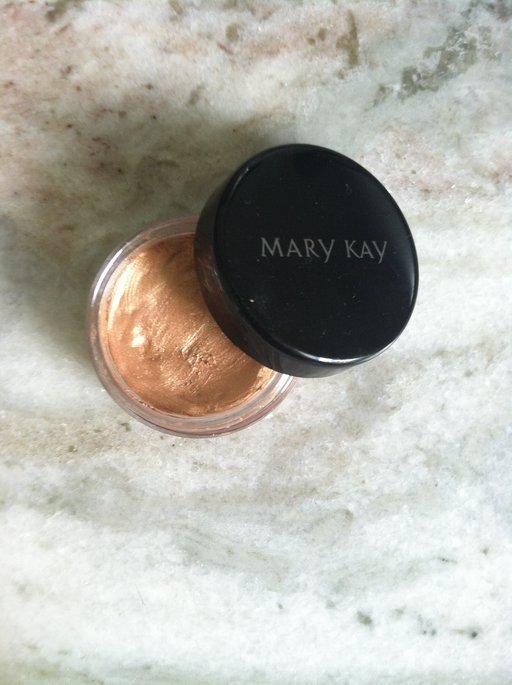 Mary Kay® Cream Eye Color in Apricot Twist uploaded by Alissa P.