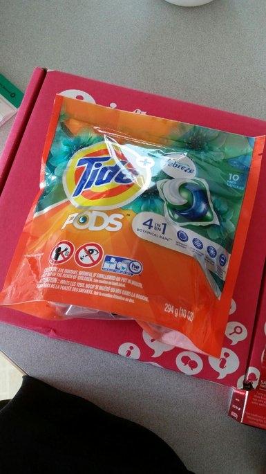 Tide Pods Plus Febreze uploaded by Molyka S.