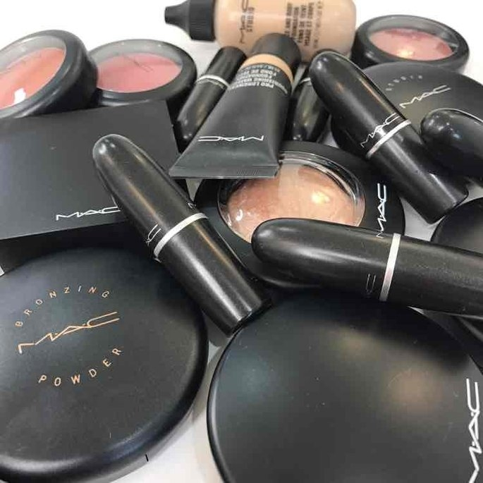 MAC Studio Fix Powder Plus Foundation uploaded by Monika H.