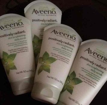 Aveeno Positively Radiant Skin Brightening Daily Scrub uploaded by Yazemin S.
