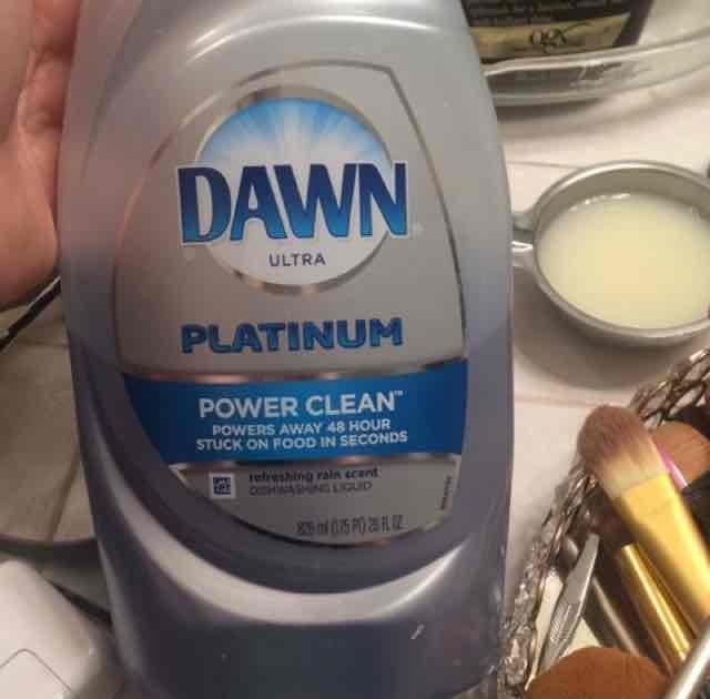 Dawn Power Clean Refreshing Rain Scent Dishwashing Liquid uploaded by Malisa P.