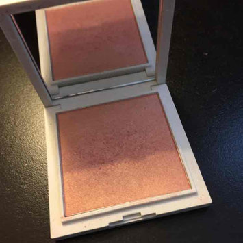Photo of Jessica Liebeskind Illuminating Face Highlighter uploaded by Alecia K.