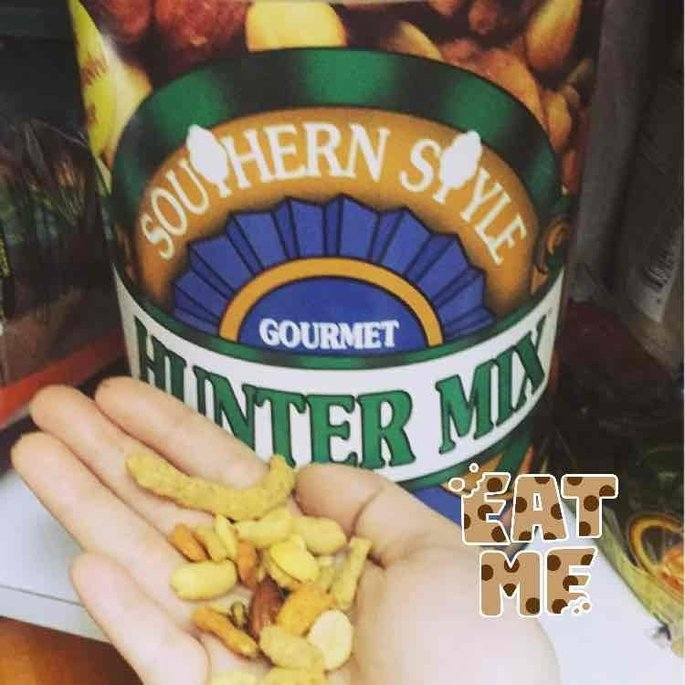 Squirrel Brand Southern Style Nuts-Gourmet Hunter Mix, 36-Ounce uploaded by ROSA M.