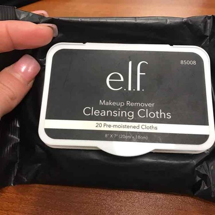 e.l.f. Studio Makeup Remover Cleansing Cloths uploaded by Stephanie P.
