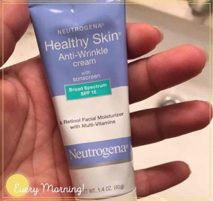 Neutrogena Healthy Skin Anti-Wrinkle Cream with sunscreen SPF 15 uploaded by Jessica L.