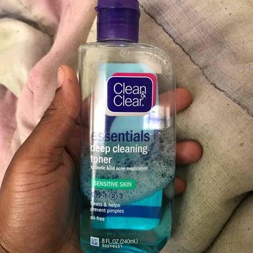 Clean & Clear ESSENTIALS Deep Cleaning Toner For Sensitive Skin uploaded by Efa O.