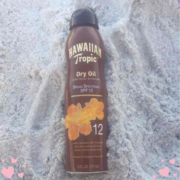 Photo of Hawaiian Tropic Dry Oil Clear Spray Sunscreen uploaded by Tara N.
