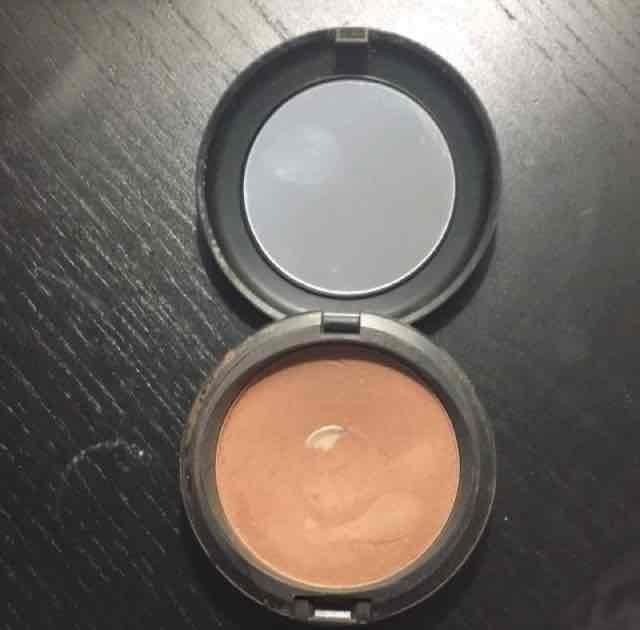 Mac Bronzing Powder uploaded by Adriana C.