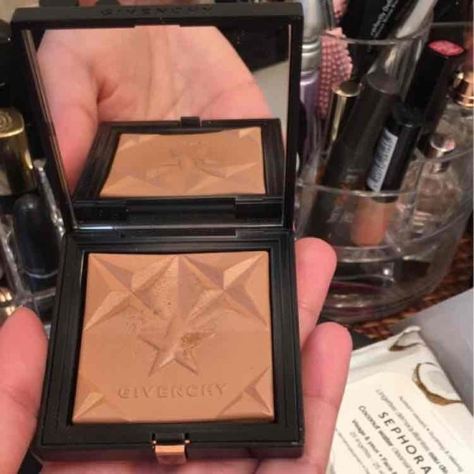 Givenchy Healthy Glow Bronzer uploaded by Jaylin M.
