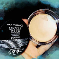 Max Factor Miracle Touch Liquid Illusion Foundation uploaded by Katherine C.