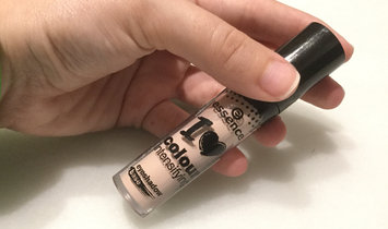 Photo of Essence I Love Colour Intensifying Eyeshadow Base uploaded by Veronica R.