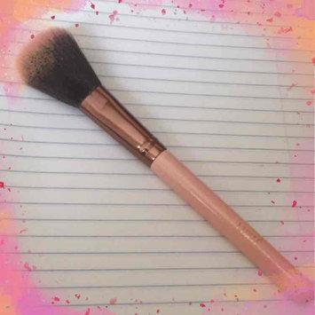 Luxie Rose Gold Synthetic 5 Piece Kabuki Brush Set uploaded by Massielle Nathalie M.