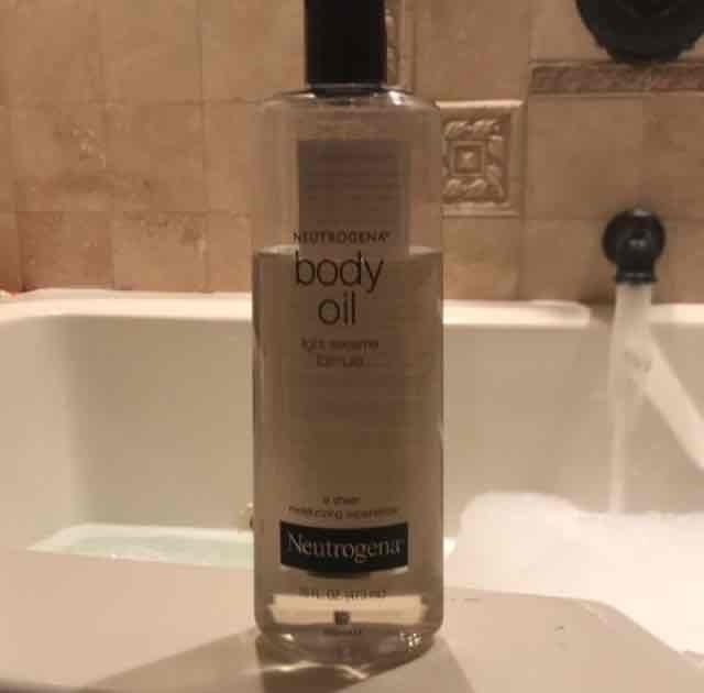 Neutrogena Light Sesame Formula Body Oil uploaded by andrea f.