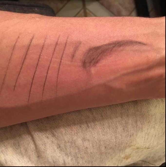 Hourglass Arch Brow Sculpting Pencil uploaded by Ruby B.