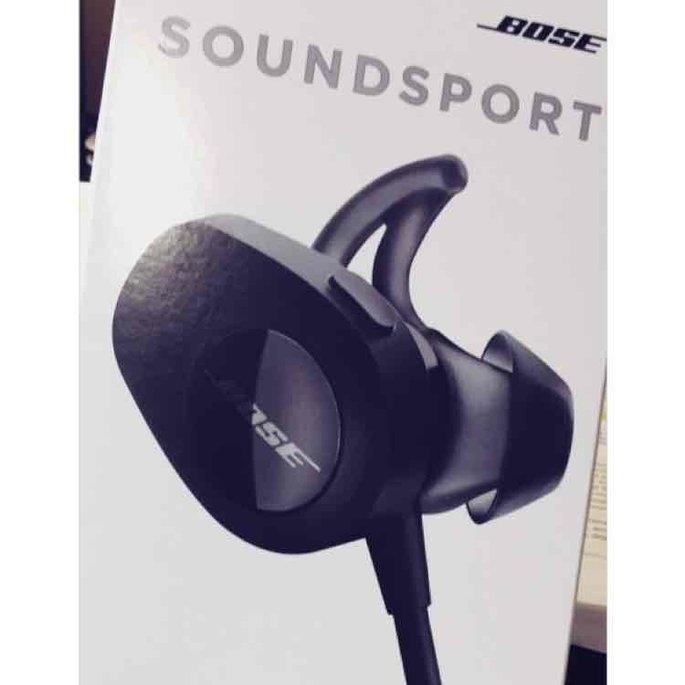 Bose SoundSport In-Ear Wireless Headphones - Black BLACK uploaded by Victoria H.