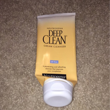 Photo of Neutrogena Deep Clean Cream Cleanser uploaded by Gemini M.