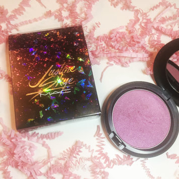 Photo of M.A.C Cosmetic Justine Skye Iridescent Powder uploaded by Avanti A.