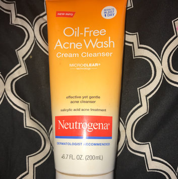 Photo of Neutrogena® Oil-Free Acne Wash Cream Cleanser uploaded by Nicole
