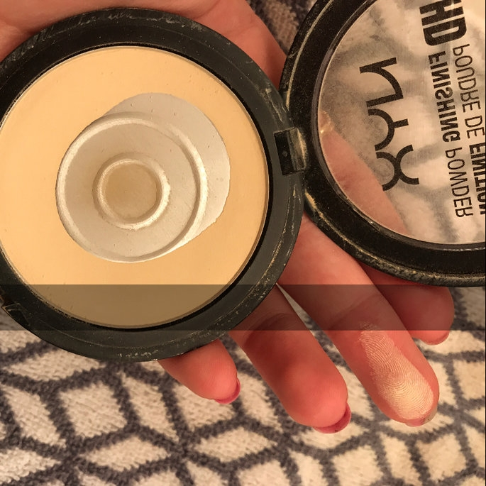 NYX HD Finishing Powder Banana uploaded by Aziza N.