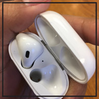 Apple AirPods uploaded by Laia Q.