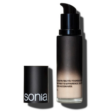 Photo of Sonia Kashuk Soft Focus Satin Matte Foundation Bisque 1 1.1 Fl Oz uploaded by Raquel G.