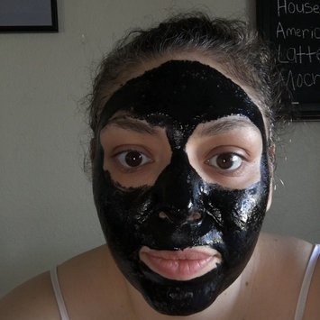 Kaeng Raeng Cleansing Clay Detoxifying Charcoal Face Mask uploaded by Erma A.