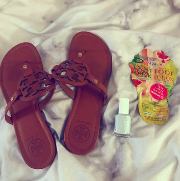 7th Heaven Juiced Grapefruit Foot Soak & Pressed Mint Foot Lotion uploaded by Emily L.