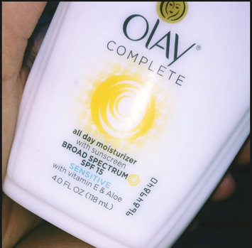 Olay Complete All Day Moisturizer with Vitamin E & Aloe Vera uploaded by Dienna O.
