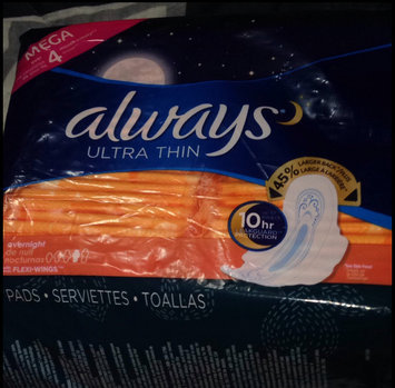 Photo of Always Ultra Thin Size 4 Overnight Pads With Wings Unscented uploaded by Sofía S.