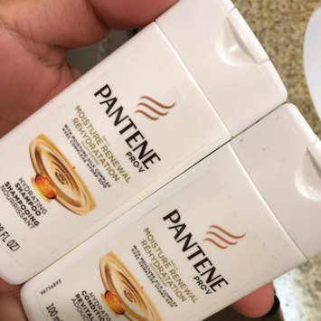 Photo of Pantene Pro-V Daily Moisture Renewal Shampoo uploaded by Griselda R.