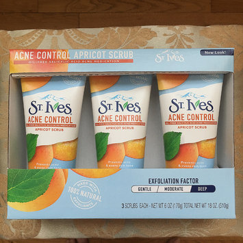 Photo of St. Ives Acne Control Apricot Scrub uploaded by Ramisa T.
