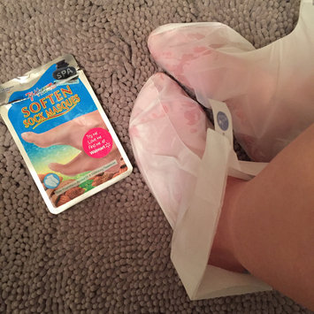 Photo of 7th Heaven Soften Sock Masques uploaded by Sabrina S.