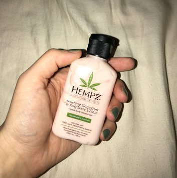 Hempz Blushing Grapefruit & Raspberry Crme Body Moisturizer uploaded by Tisha M.